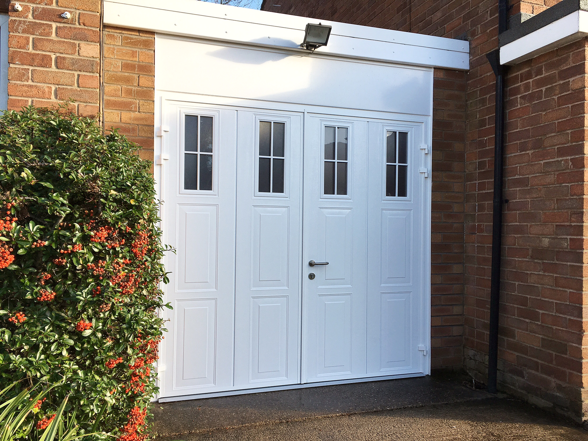 Carteck side hinged garage door pennine garage doors for Garage side entry door