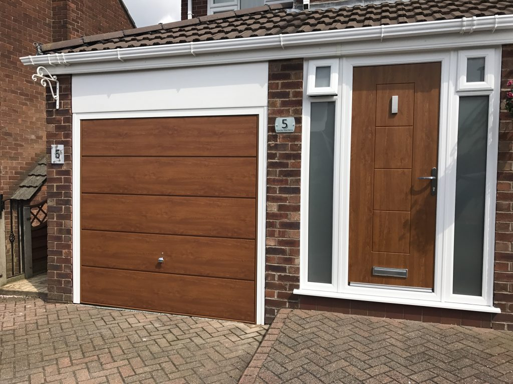 Hormann garage door Decograin after