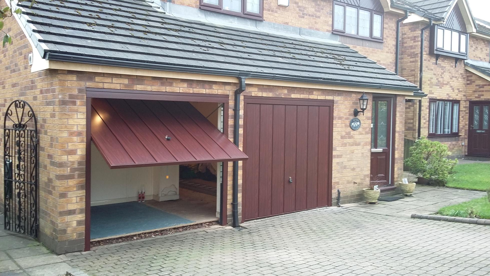 Hormann Rosewood Doors Mottram Pennine Garage Doors