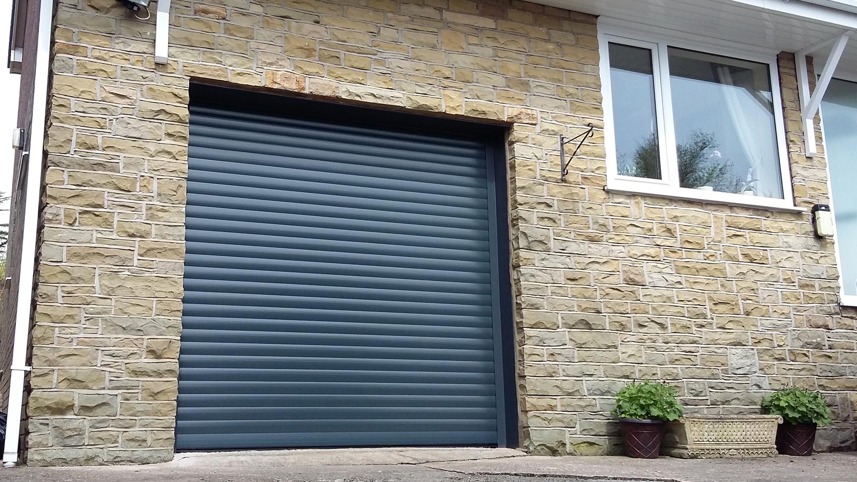 AlluGuard roller door in anthracite grey. Glossop. & AlluGuard roller door Glossop - Pennine Garage Doors