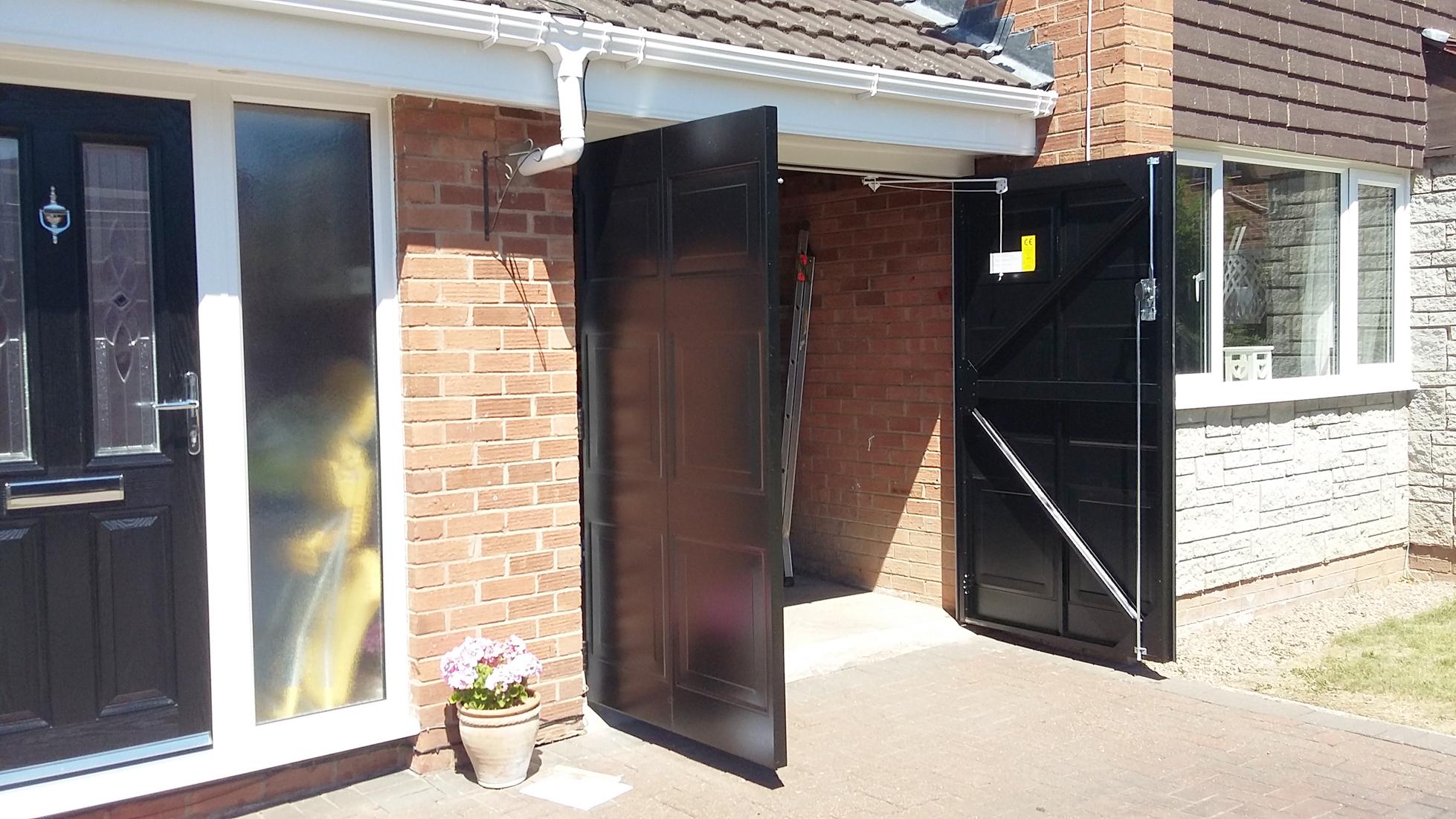 Select, Side-hinged doors, Great Sutton - Pennine Garage Doors